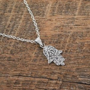 Jewelry - Sterling Silver Hamsa necklace